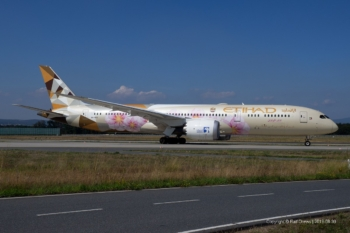 A6-BLK Etihad Airways Boeing 787-9 (ln 520)